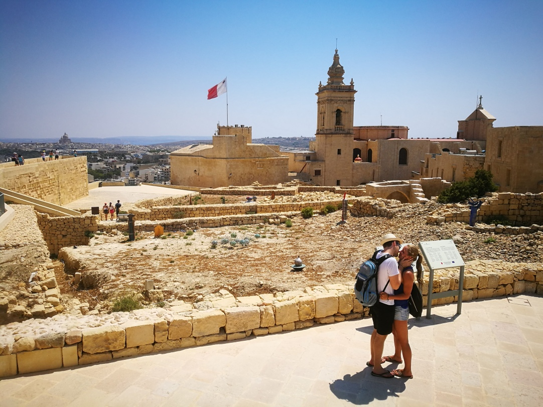 Gozo - The kiss
